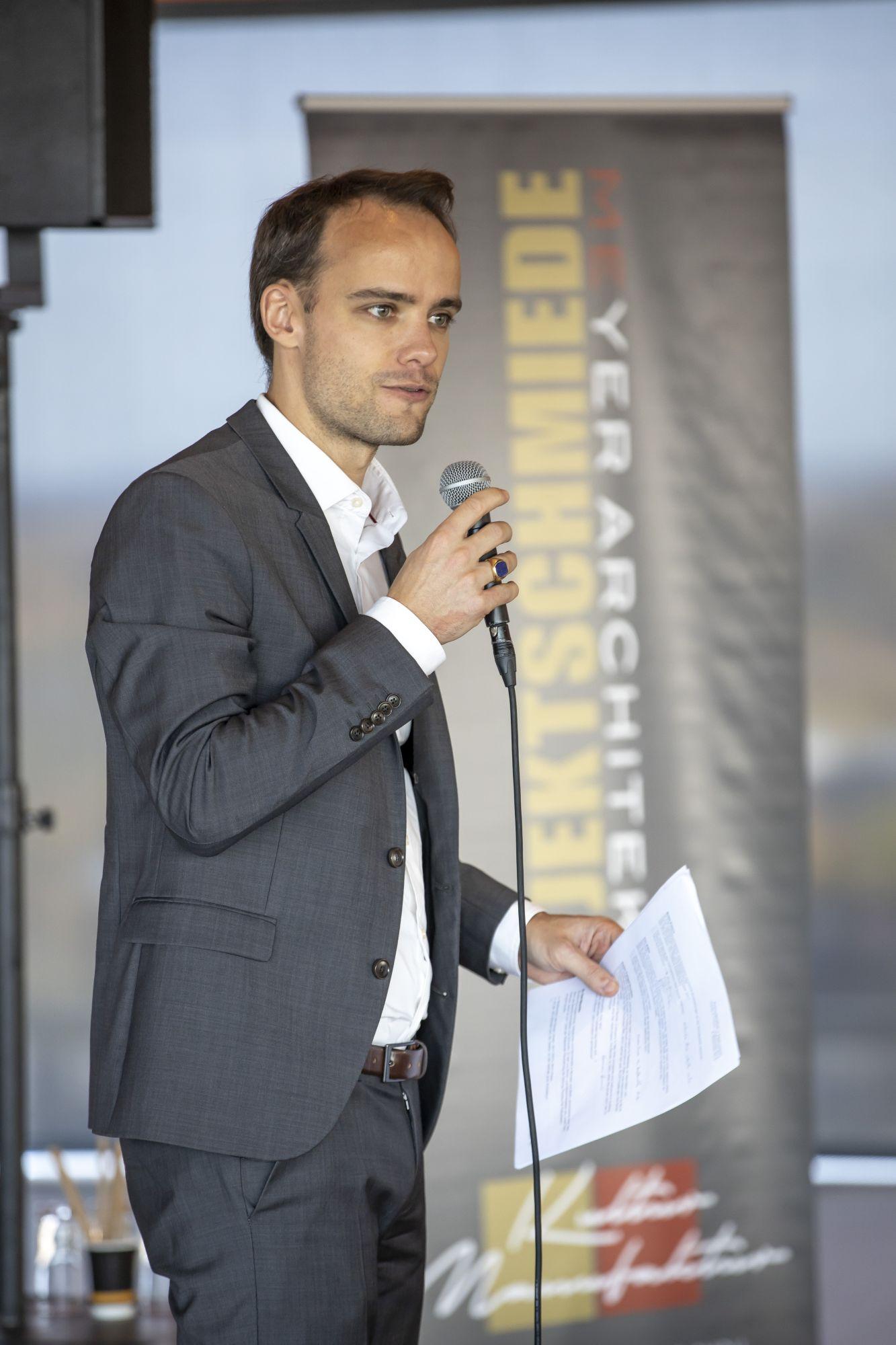 Panel-Moderator Dr. Pablo v. Frankenberg, Copyright: Hans-Conrad Walter